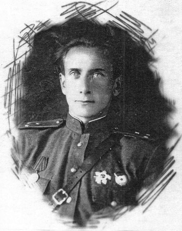 Взгляните на данные из википедии по дважды героям советского союза, родившимся в украине, беларуси, польше и вы с удивлением обнаружите, что они россияне.